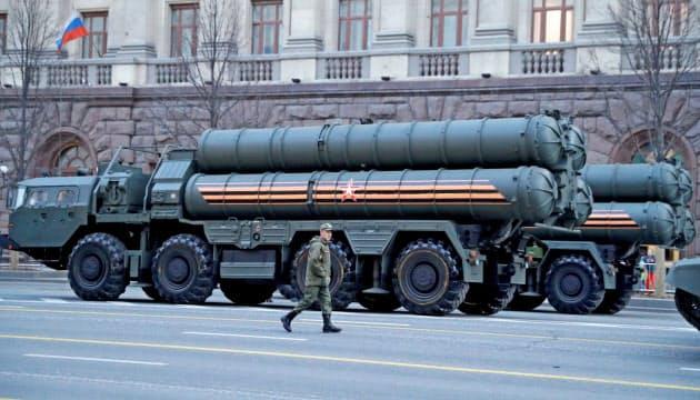 ロシア、トルコへのS400ミサイル搬入開始で高まるリスク