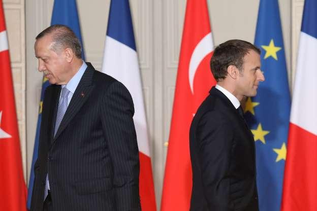 フランスとの決定的対立で孤立化するトルコ~トルコリラの買い向かいは非常に危険な状態に